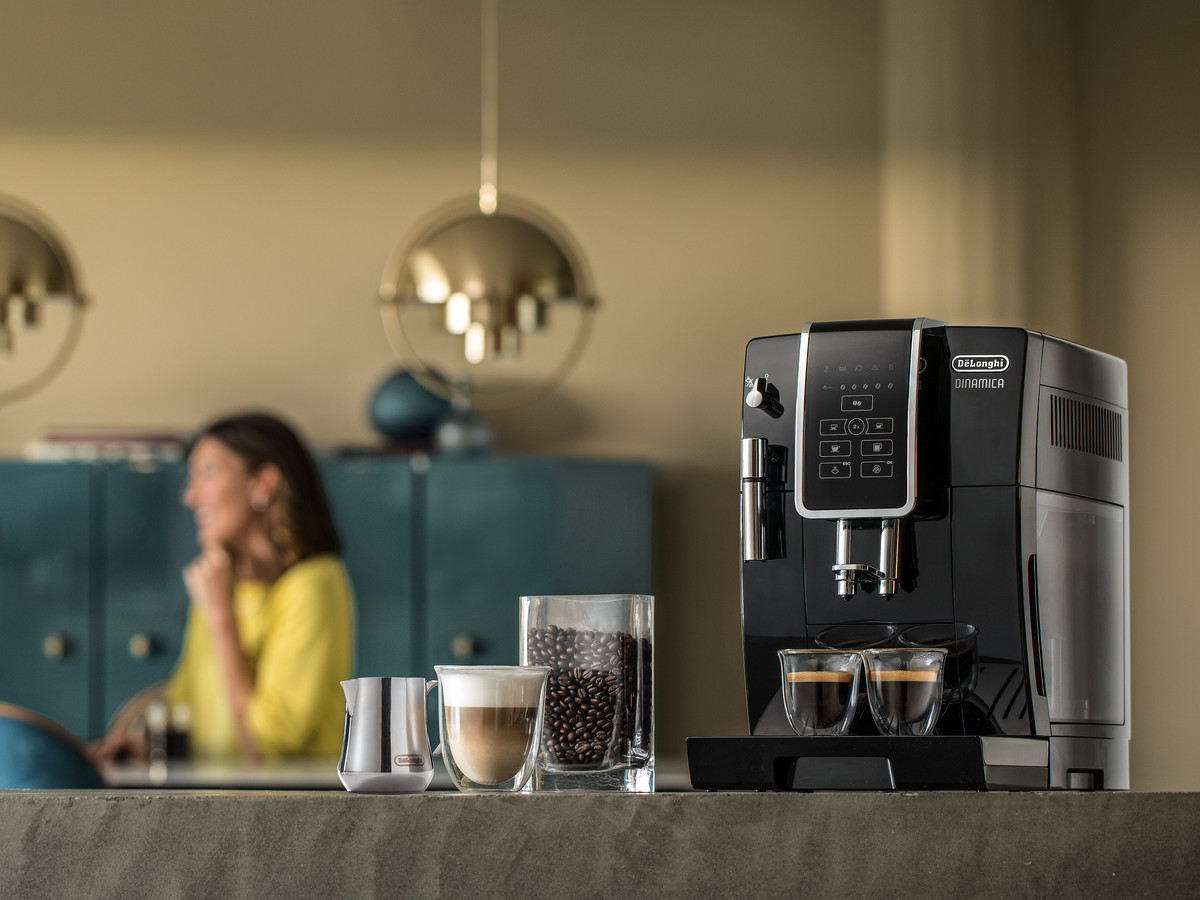 De'Longhi-Dinamica-Black-coffee-maker