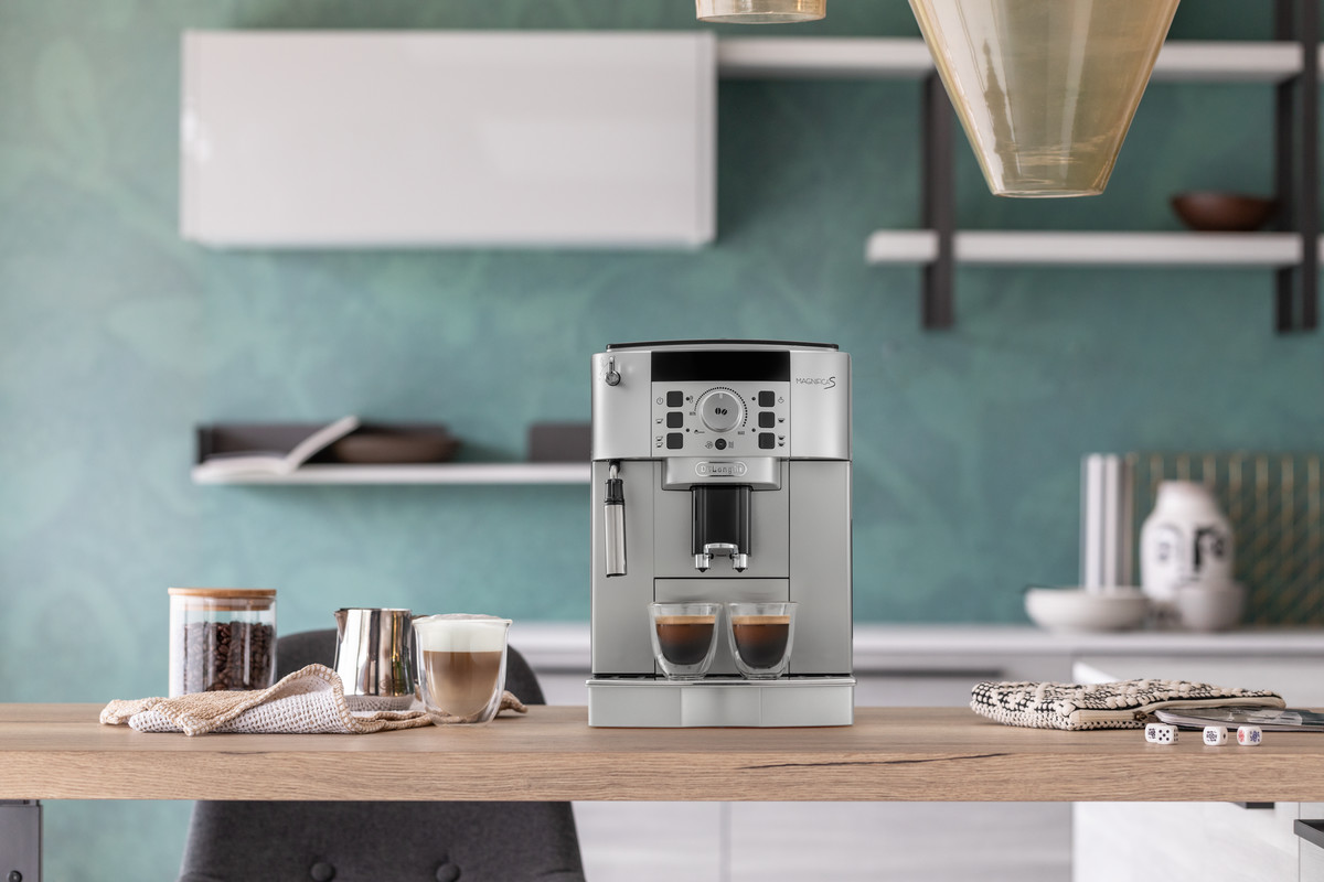 De'Longhi Magnifica-S-automatic-coffee-machine