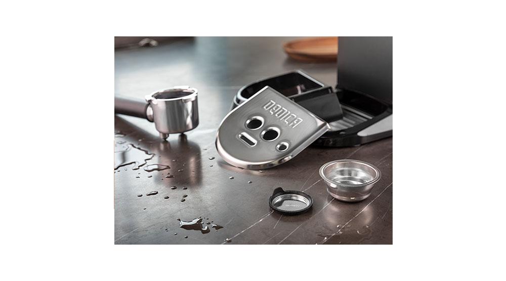 Delonghi dedica style charismatic black pump coffee machine ec685.bk features 8